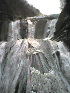 観瀑台より滝