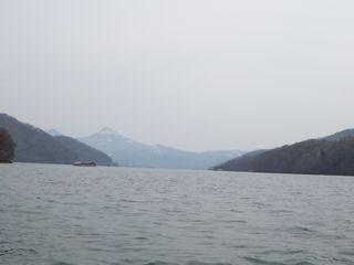 カヌーでおでかけ1・湖面から磐梯山