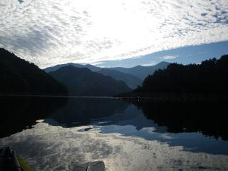 カヌーでおでかけ3・湖中央から至仏山を望む