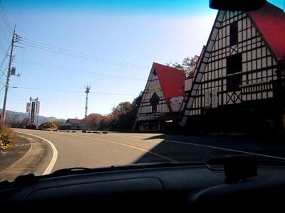 三角屋根のドライブイン