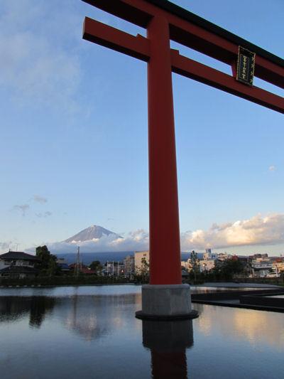 富士山ちらり