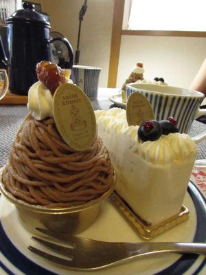 レアチーズケーキとモンブラン