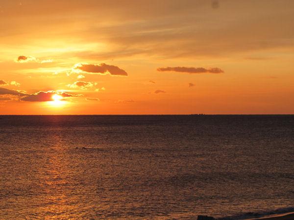 太平洋の朝日